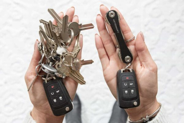 KeySmart Leather - Compact Key Holder & Pocket Keychain Organizer - With Free Expansion Kit